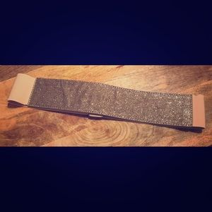 Sparkly, Stretchy Button Cinch Belt in taupe/nude